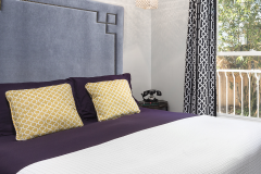 hotel-beverly-hills-bed
